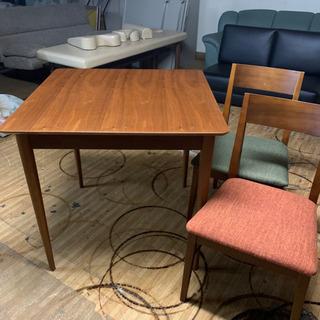 ☆テーブルと椅子2脚のセット☆ 食卓 テーブル 椅子 チェア 東HG