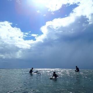 (休校中です)サーフィンスクールやってます。