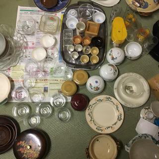 お皿、グラス、お猪口、土鍋、菓子入れ、お茶碗など