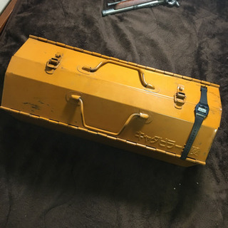 《〆切》天板山型工具箱(スチール製)