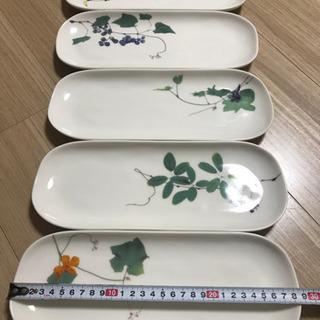 大田順子 長皿 さんま皿 植物モチーフ ぶどう柄など