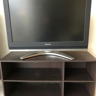 東芝、REGZA、32インチテレビとテレビ台