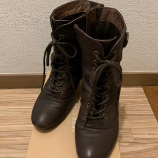 レディース茶色ブーツ(ファー付き)