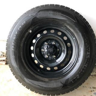 トヨタFJ スタッドレスタイヤ 265/70R17