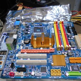 LGA775マザーボード GIGABYTE GA-EG45M-D...