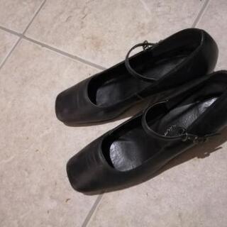 黒パンプス22cm
