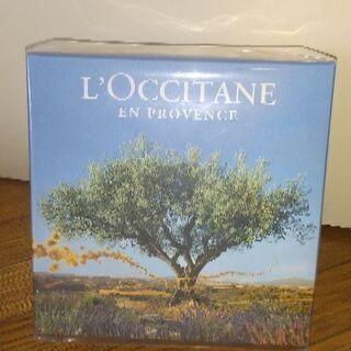 L'OCCITANEから箱