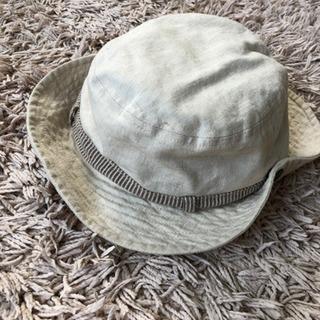コムサイズムの子供用夏帽子
