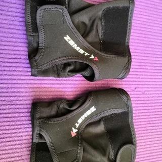 膝サポーター(ザムストRK-1)
