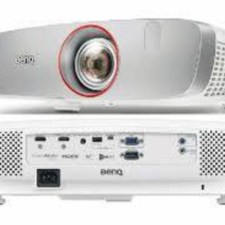 BenQ 短焦点プロジェクター HT2150ST