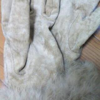 ユナイテッドアローズのスエード手袋