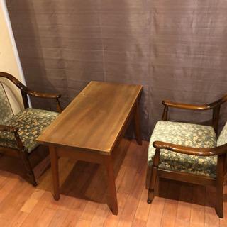 イス(カリモク)二脚とテーブル