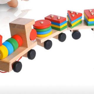 新品未使用品未開封!電車の積み木のおもちゃ
