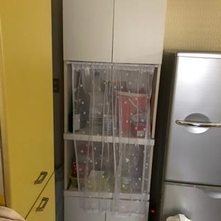 キッチン収納家具です。