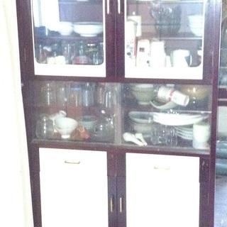 食器棚 レトロデザイン