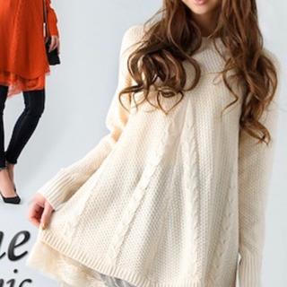 美品 裾レース Aラインセーター オフホワイト