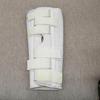 アルケア ニーブレース 伸展位膝関節支持帯 固定帯 サポーター ...