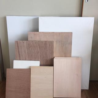 木製パネル、水張りパネルなど