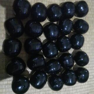 ガチャガチャカプセル黒30個