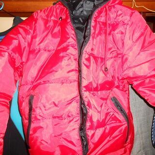 新品 中綿 ジャケット 子供用 防寒着。