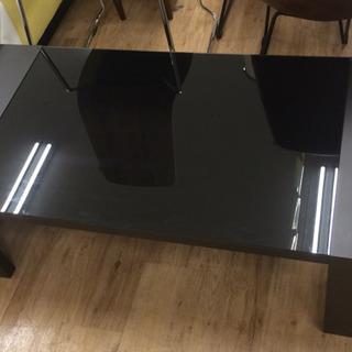 取りに来れる方限定!ガラステーブルです。