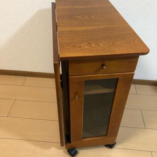折りテーブル