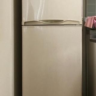 Sharp中古 冷蔵庫 家族用