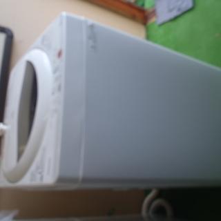 お買い得品 TOSHIBA洗濯機5kg 2012年製(中古普通品)
