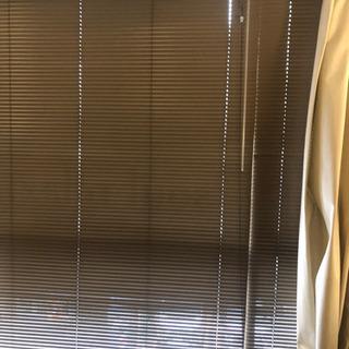 ブラインド、カーテン、カーテン枠組、スクリーン差し上げます