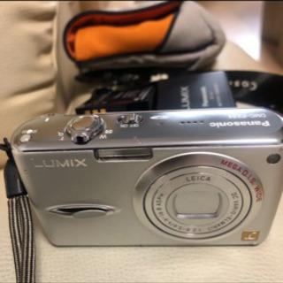 LUMIXデジカメラ