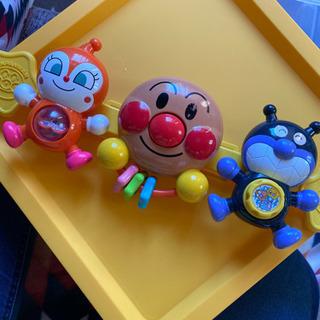 ベビーカーにつけるアンパンマンのおもちゃ