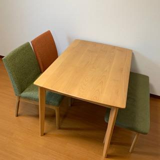 ニトリ ダイニングテーブル