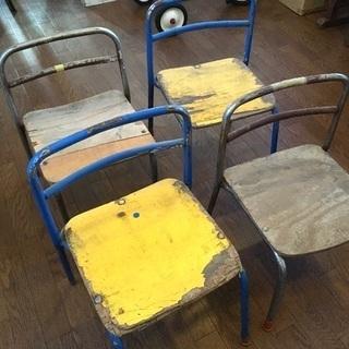 子ども用イス4脚◆アンティーク調◆保育園で使ってた椅子
