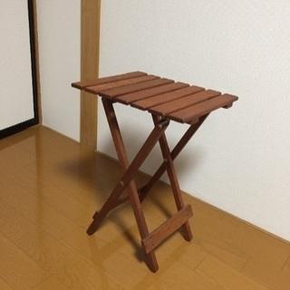 木製、折り畳み式サイドテーブル