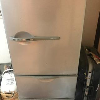 冷蔵庫、まだ全然使えます