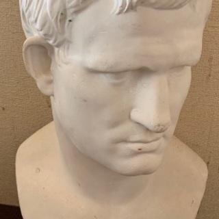 アグリッパ石膏像後ろ割れあり