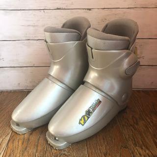 【引越し大処分❗️】子供用のスキーブーツ 23cm