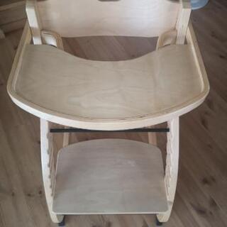 木製北欧風のベビーから使えるハイチェア