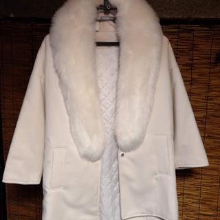 取り外し可能なファーがゴージャスなコート、お譲りします。