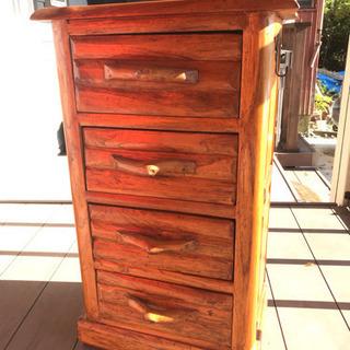 オシャレで小型の木製家具その2