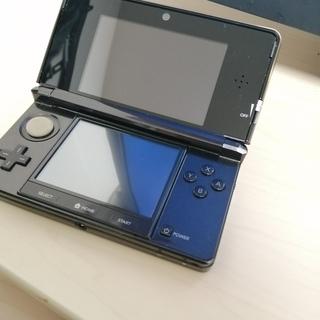 3DS 本体とSDカード(2GB )のみ
