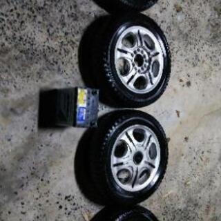 軽自動車スタッドレスタイヤとバッテリーのセット