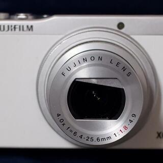 富士フイルムコンパクトデジタルカメラ XQ2 ホワイト(本体のみ)