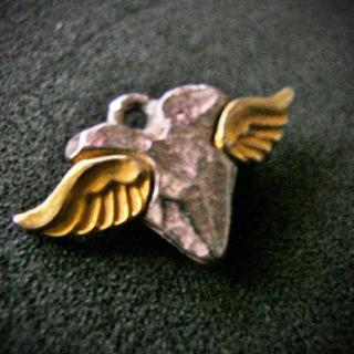 金の 羽 のある 銀の ハート ペンダントヘッド チャーム 可愛...
