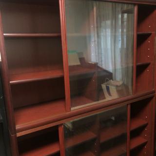 ガラス戸つき 書棚  本棚