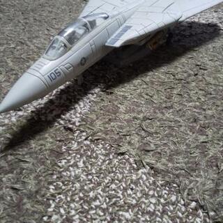 戦闘機模型かなり重いです!