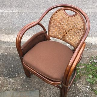 新品未使用 保管品 籐の椅子 小物入れ付き