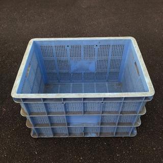 プラスチック箱 大きいサイズ ②