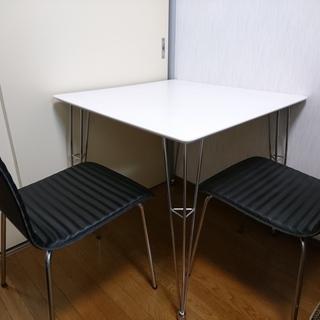 ダイニングテーブル+椅子2脚