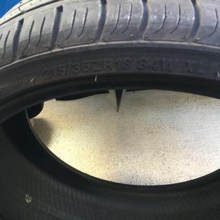 タイヤ 4本 215/35/18 使用期間5ヶ月